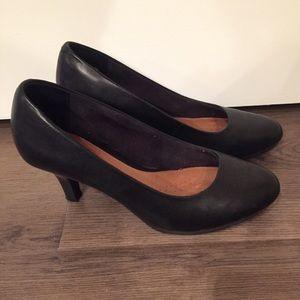 Clark's Black Leather High Heel Sz 7